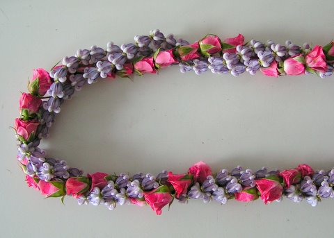 crown-rose-lei.JPG